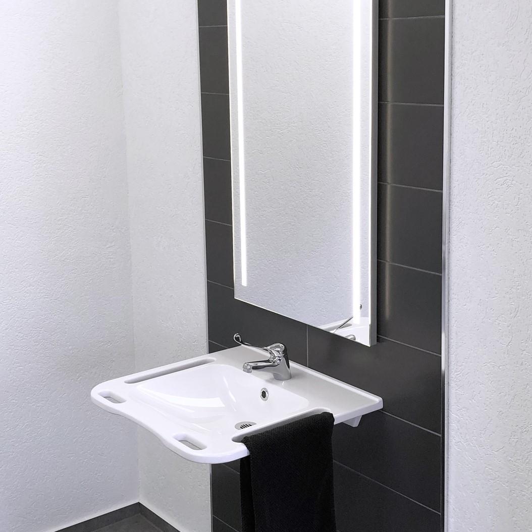 Mirror with wash basin
